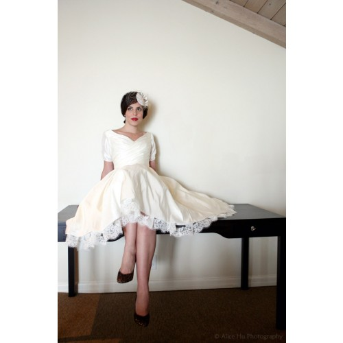 Many dress designers are adapting today 39s wedding dresses with retro
